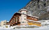 Alps Hotel Wellness Oriental autobusem